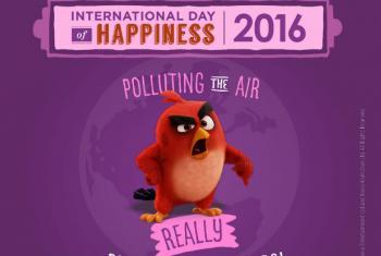 Red, o pássaro vermelho, está irritado com a poluição do ar. Imagem oficial da campanha
