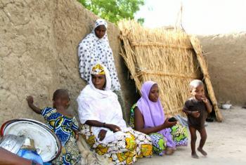 Refugiados em Diffa, no Níger, após fugirem da violência do Boko Haram na Nigéria. Foto: Ocha/Franck Kuwonu
