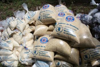 Parte dos alimentos distribuídos para comunidades afetadas pela seca em Honduras. Foto: PMA/Hetze Tosta