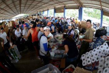 Entrega de suprimentos à população no Equador. Foto: PMA
