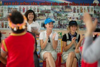 Kate Perry em vsita oficial ao Vietnã. Foto: Unicef