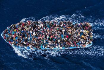 OIM registou pelo menos 349 mortes de migrantes em todo o mundo em 2018. Foto: Guarda Costeira da Itália/Massimo Sestini (arquivo Jun-2014)