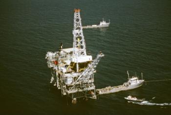 Plataforma de petróleo. Foto: ONU/Brownie Harris
