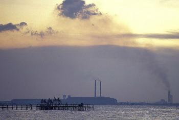 Especialistas defendem novos incentivos e melhor regulamentação das emissões tóxicas. Foto: Banco Mundial/Curt Carnemark
