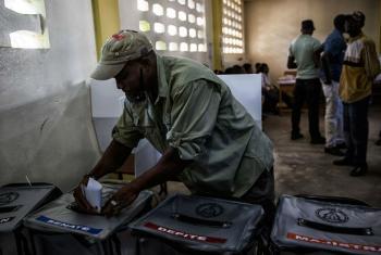 Urnas de votação em Porto Príncipe, capital do Haiti. Foto: Minustah/Logan Abassi