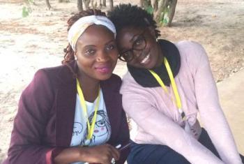 Jovens empreendedoras na cidade angolana de Menongue.