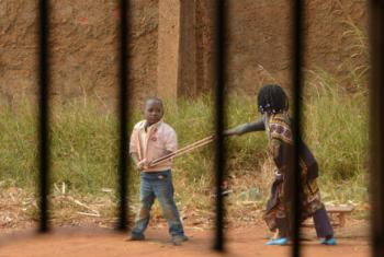 Crianças a brincar na província do Niassa. Foto: Rádio ONU/Ouri Pota