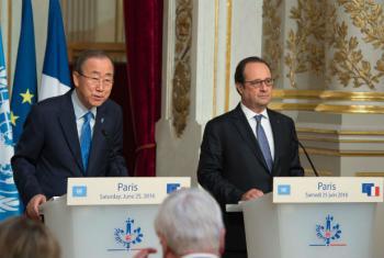 Secretário-geral da ONU Ban Ki-moon e o presidente da França, François Hollande, em Paris. Foto: ONU/Eskinder Debebe