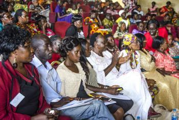 ONU Mulheres em Moçambique vai subsidiar a emissão de 2 mil bilhetes de identidade e 750 certidões de nascimento para mulheres e meninas.Foto: ONU Mulheres/Ezra York Wani (arquivo)