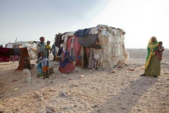 Família deslocada na Somália. Foto: OIM/Celeste Hibbert (arquivo)
