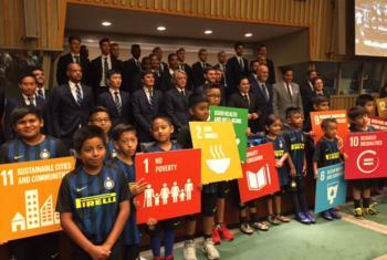 Equipe do Inter de Milão na sede da ONU. Foto: Rádio ONU