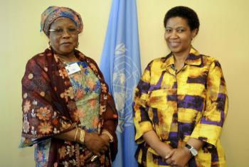 Zainab Bangura (à esq.) e Phumzile Mlambo-Ngcuka. Foto: ONU Mulheres/Catianne Tijerina (arquivo)
