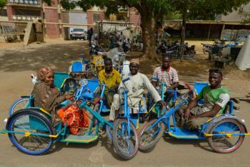 Sobreviventes da polio no estado de Kano, na Nigéria. Foto: Unicef/Sebastian Rich