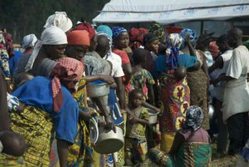 Milhares de refugiados continuam a chegar diariamente ao Uganda . Foto: Acnur/L.Beck