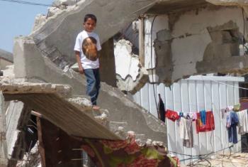 Na Faixa de Gaza, 51 mil palestinos continuam desalojados após perderem suas casas com a escalada da violência em 2014. Foto: Ocha