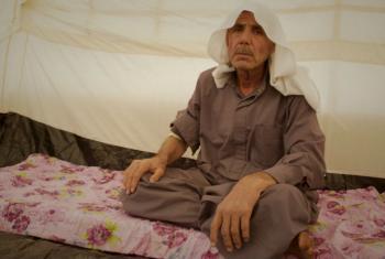 Deslocado interno iraquiano em tenda na região do Curdistão. Foto: Acnur/© UNHCR/Rasheed Hussein Rasheed