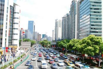 Rua em Shangai, na China. Foto: ONU-Habitat/Julius Mwelu