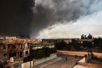 Isil queima poços de petróleo perto de Mosul. Foto: IOM/Jennifer Sparks