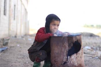 O Unicef pretende fornecer kits de roupas de inverno para mais de 800 mil crianças. Foto: Unicef/Al-Issa