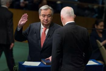 António Guterres, secretário-geral designado da ONU, durante juramento na Assembleia Geral da ONU. Foto: ONU/Eskinder Debebe
