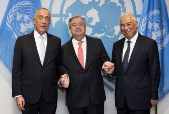 António Costa (dir.) com o secretário-geral, António Guterres (centro) e o presidente de Portugal, Marcelo Rebelo de Sousa. Foto: ONU/Mark Garten