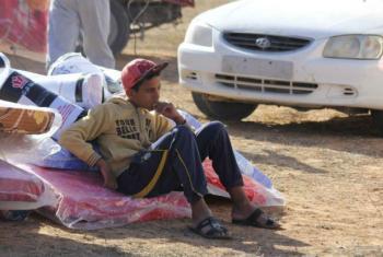 Deslocado interno líbio em Alarbaeen, na Líbia. Ele está entre os milhares de residentes de Sirte que foram deslocados por causa dos conflitos. Foto: Acnur