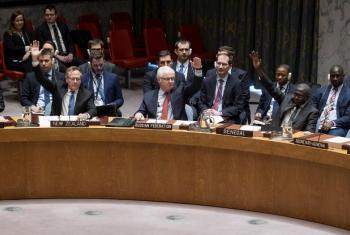 Ao centro, o embaixador da Rússia Vitaly Churkin no Conselho de Segurança