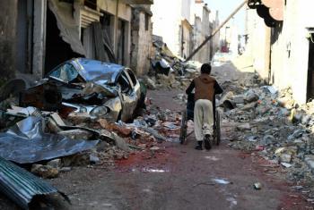 Segundo o comunicado, existem 15 áreas sitiadas na Síria, onde 700 mil pessoas vivem sob cerco. Quase metade, ou 300 mil, são crianças. Foto: Acnur/Bassam Diab.