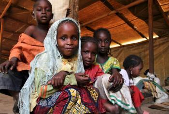 Crianças centro-africanas refugiadas nos Camarões. Foto: Ocha/Ivo Brandau
