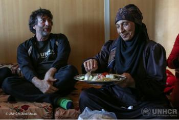 Escritor Neil Gaiman foi anunciado como novo embaixador da Boa Vontade do Acnur. Foto: Acnur/Jordi Matas.