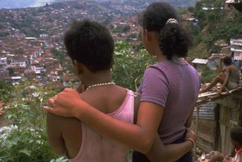 Jovens mulheres na Colômbia forçadas à exploração sexual. Foto: Unicef/ Donna DeCesare