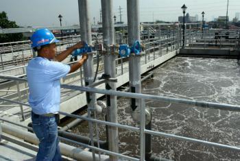 Centro de tratamento de água nas Filipinas. Foto: Banco Mundial/Danilo Pinzon