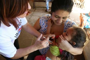 A OMS destaca que o número de infecções está subindo rapidamente, sendo que nesses países, o índice de imunização da segunda dose da vacina contra o sarampo é de menos de 95%. Foto: OMS