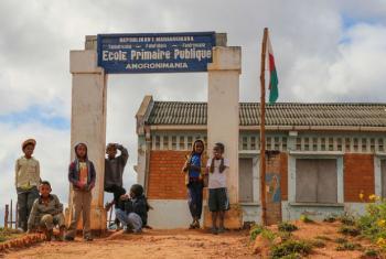 Escola primária no Madagáscar. Foto: Banco Mundial/Mohamad Al-Arief