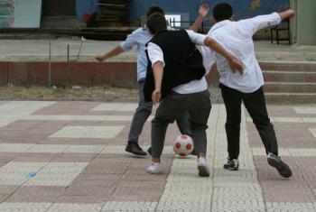 O Unodc afirma que os esportes têm o potencial de melhorar a qualidade de vida das pessoas, ajudando com o bem-estar físico e a integração social.Foto: Banco Mundial/Simone D. McCourtie