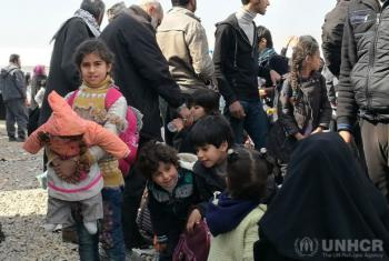 Crianças deslocadas de Tal al-Ruman, a oeste de Mossul, no Iraque. Foto: Acnur/Saif Al-Tatooz