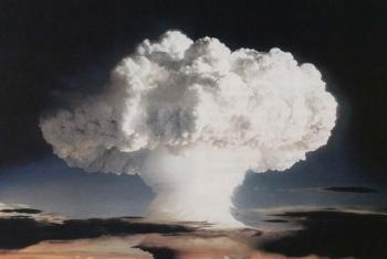 Nuvem causada por teste nuclear conduzido pelos EUA nas Ilhas Marshall em 1952. Foto: Governo dos Estados Unidos