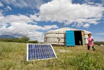Painel solar na província de Uvs, na Mongólia. Foto: ONU/E. Debebe