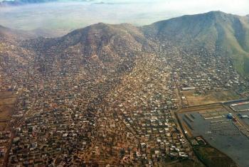 Vista aérea de Kabul, no Afeganistão. Foto: Unama/Ari Gaitanis