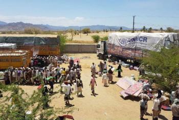 Equipes do Acnur entregam itens essenciais para famílias no distrito de Mokha. Foto: Acnur/Adem Shaqiri