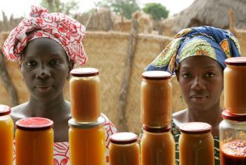 Na África, a previsão média para o continente é de um alta de 3,2% e 3,8% para 2017 e para o ano que vem, respectivamente. Foto: ONU/Evan Schneider