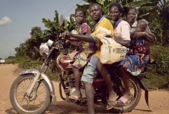 Dia Global dos Pais. Foto: ONU/Stephan Gladieu