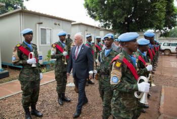 Thomson disse que as tropas de paz protegem e ajudam a desenvolver a República Centro-Africana. Foto: Minusca.
