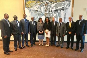Representantes de todos os países da CPLP - Comunidade dos Países de Língua Portuguesa com a chefe de gabinete do secretário-geral da ONU. (Da esq. para a dir. Antonio Gumende (Moçambique), João Soares de Gama (Guiné-Bissau),Alcíno Cravid e Silva (São To