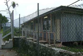Austrália vai realocar refugiados que estão neste centro social em Nauru. Foto: Acnur/N. Wright