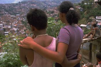 Jovens na Colômbia exploradas sexualmente. Foto: UNICEF/Donna DeCesare