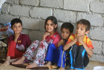 Crianças iraquianas que fugiram de Tal Afar e encontraram abrigo em escolas, mesquitas e prédios em construção na área de Sinjar, na província de Ninewa. Foto: Crescente Vermelho iraquiano/ Ocha.