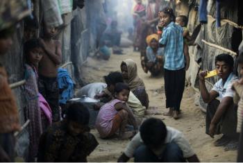 Após fugirem da violência em Mianmar em outubro de 2016, refugiados Rohingya vivem em locais improvisados superlotados em Cox's Bazar, Bangladesh. Foto: Acnur/Saiful Huq Omi