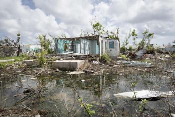 Local na cidade de Codrington, em Barbuda, durante a visita do secretário-geral da ONU ao país, em outubro, para observar os dados causados pelos furacões. Foto: ONU/Rick Bajornas