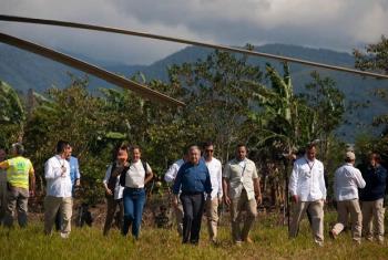 António Guterres chega a Mesetas, acompanhado de funcionários da ONU e autoridades colombianas. Foto ONU: Constanza García Rubio